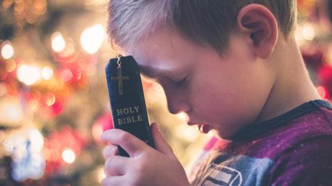 Cara Bersikap Sebagai Umat Kristen Dalam Menghadapi Masalah Hidup!